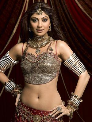 http://saranblog.files.wordpress.com/2008/03/shilpa-shetty-miss-bollywood-musical.jpg